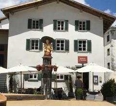 Ferienwohnung Laax mit Traumblick, großem Balkon und Terrasse 2