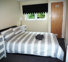 Paisley Central Apartment 1