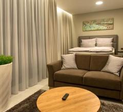 MG Restaurace/Luxury Apartments 1