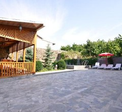 Villa with Pool and Sauna Tours 2