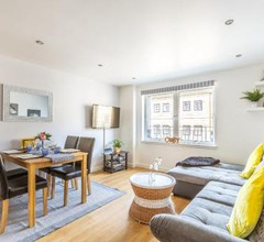 Cosy Apartment in Quiet City Centre 2