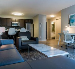 Fort Garry Place Furnished Suites 1