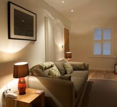 Luxury Victorian Cottage 1