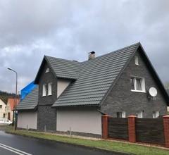 Dom nad Kwisą 1