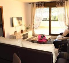 Claire Seaview & Beach-apartment 1