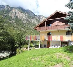 Spacious Apartment in St Niklaus near Mattertal Ski Area 2