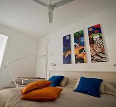 Apartment 81 1