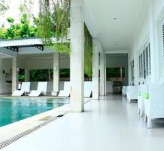 Villa Putih Lovina 1