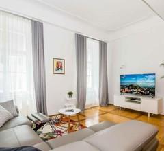 Apartment Nina Tour As 1
