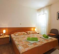 Apartments & Room Eva Slano 1