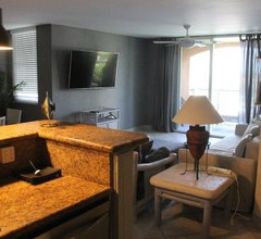 6-608 Amazing Penthouse water view with 2 suites 1