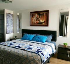 Luxury & Comfort in the World's Center 1