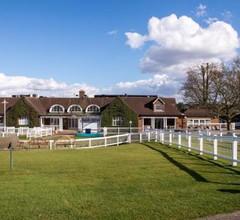 Sandown Park Lodge 1