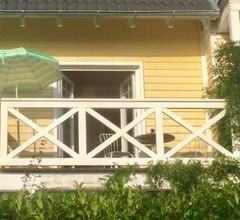 Zimmer mit Bad und Balkon 2