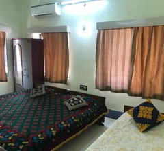 Furnished apt w. 2 bed rooms in New Alipore 1