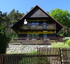 Chata u lesa Máchův kraj 1