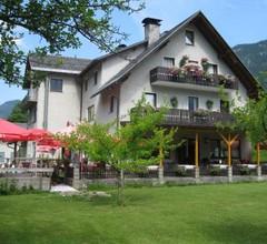 Gasthof Höllwirt 2