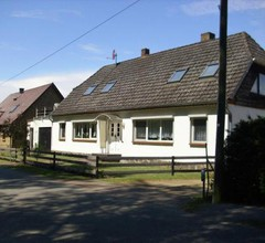 Cozy Apartment with Garden near the Forest in Schlowe 2