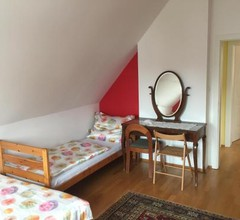 Country House - Room 1