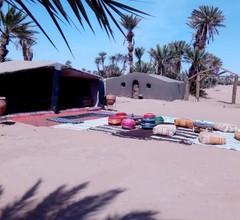 Camp Desert Stars 1