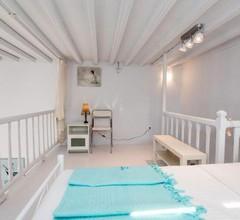 Traditional Split level house in Mykonos Town 2