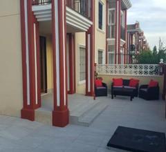 Semi-Detached House & Pool 2