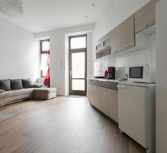 City Studio Apartment for 4, near Sonnenallee 2