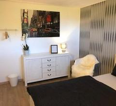 Stylische Wohnung in ruhiger Lage, sehr messenah 1