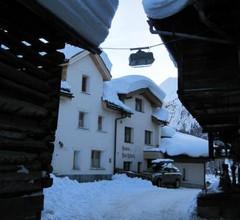 Haus am Dorfplatz 2