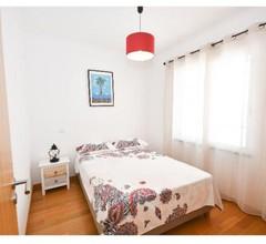 Vanda's Sea View Apartment 1