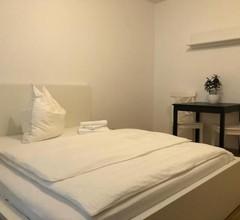 Luxury Black-White Room 2