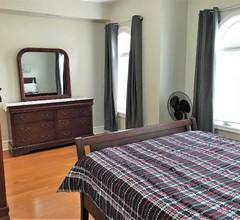 2-Bedroom Toronto Rental (Eglinton & Avenue Rd.) 1