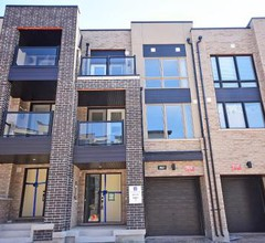 Royal Stays - Townhome Collection in Oakville ON 1