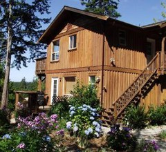 Secret Cove Cottage Suites 1