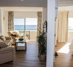 Beachfront apartment in Fuengirola with sea views 2