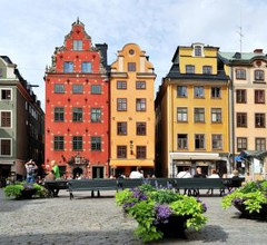 Central Stockholm with Free Airport Pickup 2