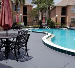 411 Modern Suite at Parkway Palms 2