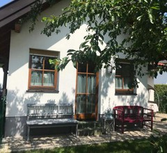 Knusperhaus mit Garten 2