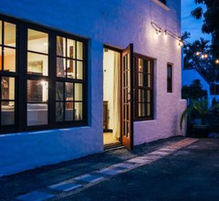 Renovated Historic Coconut Grove Cottage Home 1