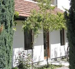 Garden Guesthouse 2
