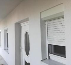 Apartment Karina 2