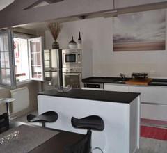 En plein coeur du village de Bidart et de ses commerces et à 200 mètres de la mer, un appartement T2 sympa 2