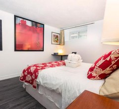 Cozy 3BR 2Bth Suite, A min to Hwy401, 404 & DVP 2