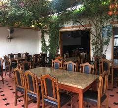 Hostal&Restaurante Holiday 1