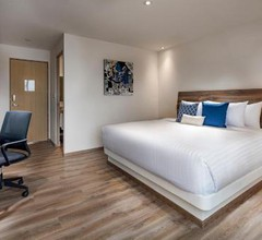 ROOM HOTEL AND SUITES 2