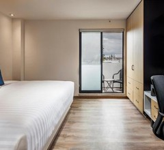 ROOM HOTEL AND SUITES 1