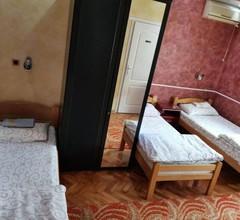 Guest Accommodation Azucki 1