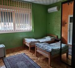 Guest Accommodation Azucki 2
