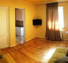 Guest House Bolnisi - Colorful Apartment 1