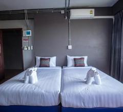 Baan Chang Hotel & Coffee House 2